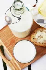 Когда мы едим продукты, производимые этими животными, такие как молоко, йогурт или употребляем мясо этих животных, мы поглощаем КЛК. КЛК используется в профилактике и лечении: Аллергии Астма Здоровье мозга Рак Высокий уровень холестерина Иммунная функция Ревматоидный артрит Потеря веса